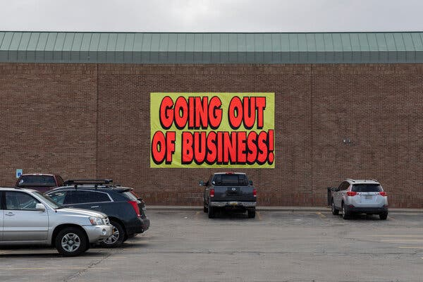 Love's Furniture and Mattresses in Warren, Mich., advertised its closing on Monday.